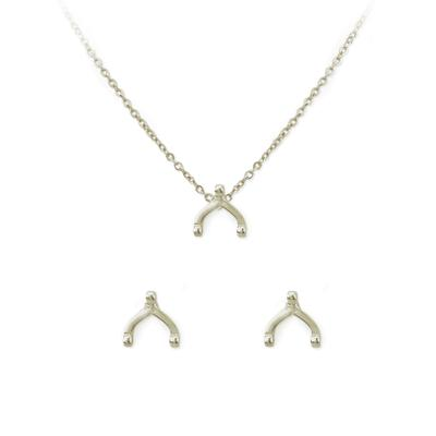 Kitsch Wishbone Necklace & Stud Set